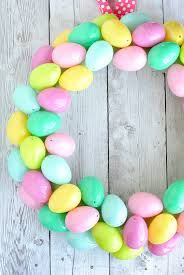 how to make an easter egg wreath easy easter egg wreath projects