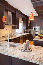 White Granite Kitchen Countertops by Best 25 Cherry Cabinets Ideas On Pinterest Cherry Kitchen