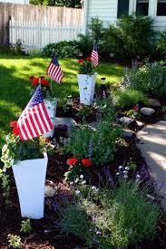 Mini Garden Flags 38 Best Patriotic Planters Images On Pinterest Container Plants