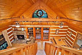 the treehouse 2 bedroom cabin located in