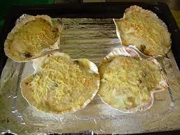 cuisiner coquille jacques recette de coquille de st jacques à base de crevette et de moules