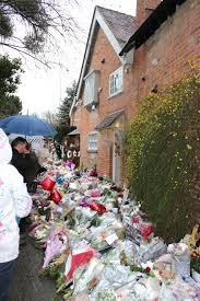 George Michael House Tributes Outside George Michaels House In Goring 1 1 17 Album