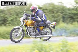 suzuki motorcycle green suzuki gt250a road test classic motorbikes