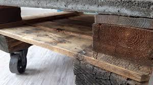 couchtische paletten couchtisch aus euro paletten und betonplatte u2022 woodart by b