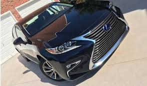 lexus es300h offers this luxury hybrid represents everything a lexus should be style