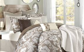 Modern Bedding Sets Queen Positivethinking Queen Bed Comforter Sets Tags Green And White