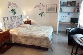 chambre d hote hirel chambres située au rez de chaussée d une maison particulière