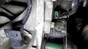how to replace the front crankshaft oil seal maintenance