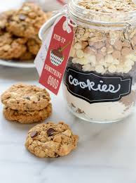 chip oatmeal cookie mix in a jar