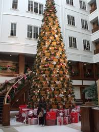 longaberger home office lobby christmas tree of baskets