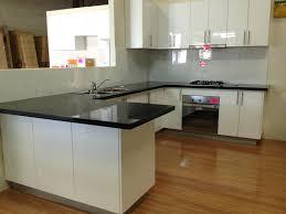 How To Tile Kitchen Backsplash Tiled Kitchen Backsplash Kitchen Kitchen Infinity Glass How To