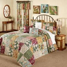 Gold Quilted Bedspread Antique Chic Patchwork Quilted Bedspread Set Bedding