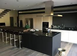 cuisine moderne bordeaux cuisine en verre laqué et stratifié fenix noir bordeaux caudéran