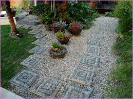 stepping stones for garden 30 beautiful diy stepping ideas