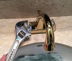 Fixing Dripping Kitchen Faucet How To Fix A Leaking Bathroom Faucet Quit That Drip