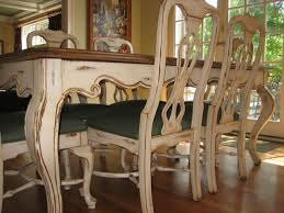 Antiqued And Distressed Kitchen Table And Chairs - Distressed kitchen table