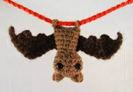 Cute Halloween Bats by Lucyravenscar Crochet Creatures Itty Bitty Bat Free Amigurumi