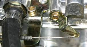 how should the choke cable be attached to an edelbrock 1407 the