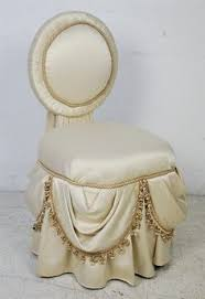Vanity Stools And Chairs French Vanity Table And Chair Safavieh Chairs Hannah Vanity