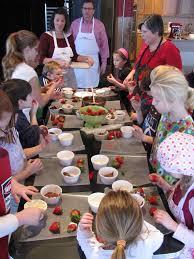 cours de cuisine pour enfant idées activités atelier de cuisine pour enfants pour apprendre à