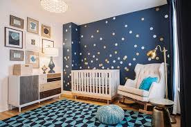 chambre ciel étoilé chambre de bébé stylée et reposante en avant le bleu