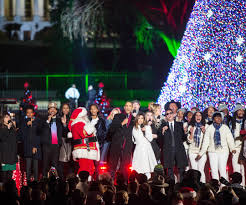 photos barack and michelle obama light final national christmas