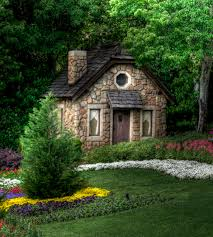 tiny homes tiny homes love this tiny cottage in the woods