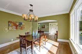 Esszimmer Teppich Esszimmer Mit Holztisch Set Und Teppich Auf Dem Parkett Zimmer