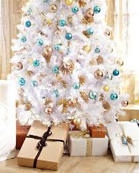 Christmas Tree Decorations In Blue Silver And White by 35 Neutral And Vintage White Christmas Tree Ideas Home Design