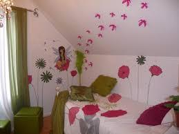 mur chambre enfant peinture sur mur chambre d enfant fée et fleur mélart