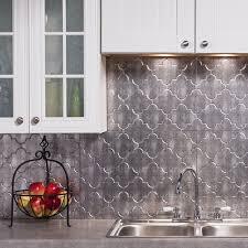 fasade kitchen backsplash fasade monoco crosshatch silver 18 square backsplash kit