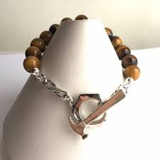 tiger eye jewelry its properties construction jewelry hammer toggle tiger eye stretch bracelet