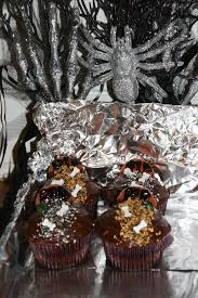 halloween cupcake display halloween weezy u0027s wonderland