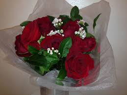 How Much Is A Dozen Roses Trader Joe U0027s Roses Vs Boutique Florist Bouquets Which Is Better