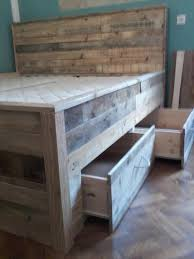 pallet bed tutorial u2013 built in drawers under the bed 101 pallets