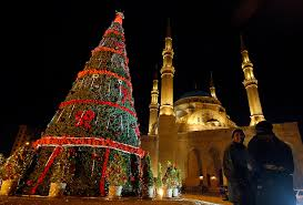 christmas tree lighting bridge street huntsville al festive holiday lights