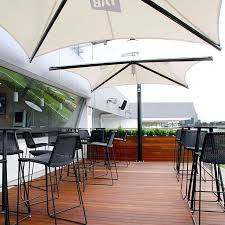 quality commercial and residential market and cantilever umbrellas