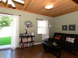 Ceiling Fans For Living Rooms by Cottage Living Room With Ceiling Fan U0026 Crown Molding In Royal Palm