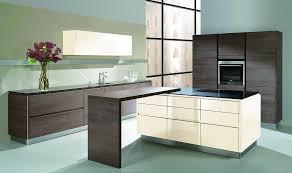 moderne kche mit kleiner insel moderne küchen mit insel schwarz ambiznes