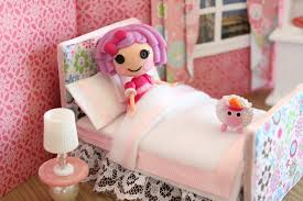 What Is A Mini Crib by How To Make A Bed For A Mini Doll Like Lps And Lalaloopsy Youtube