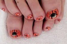 picture of purple and black toe nails plus accent nails with a