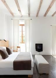 porte cuisine laqu馥 beautiful simple and sober bedroom by lucionao giorgi lgb architetti