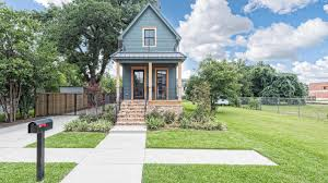 Chip And Joanna Gaines House by Fixer Upper U0027 Shotgun House Is For Sale Today Com