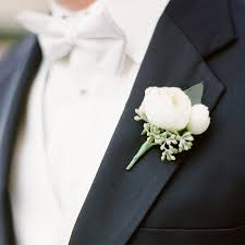 boutonniere cost placement and flower of boutonniere svapop wedding