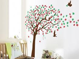 arbre chambre bébé stickers arbre dans la chambre bébé et enfant en 28 idées