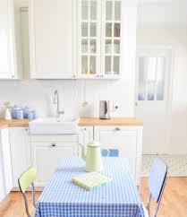 cuisine ikea montage cuisine ikea metod bodbyn montage smeg bleu ciel placard vitre
