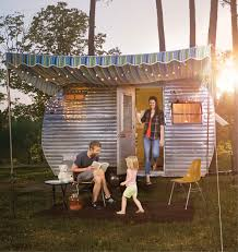 Retro Campers by Rent This Little Retro Trailer For The Best Weekend Ever