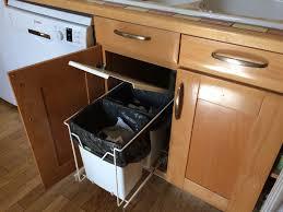 poubelle recyclage cuisine aménager l espace pour faciliter le tri sélectif à la maison