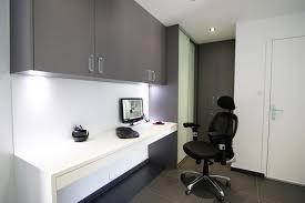bureau dans placard bureau placard sur mesure chambéry plak réalise et installe