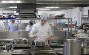 cuisine collective recrutement la restauration recrute à tous les niveaux le parisien